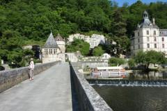 Le Pont Coudé, permet un accès entre l'abbaye et le jardin