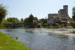 Le  château médiéval et le pont du XIVe siècle.