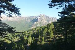 Le col de Bavella est le point de départ de plusieurs randonnées