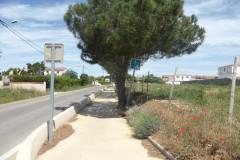 """La piste cyclable qui mène jusqu'à l'intersection du """"Chemin du mas Roux"""""""