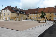 Nozeroy, la place des Annonciades