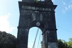 Le pont suspendu de la Rivière de l'Est